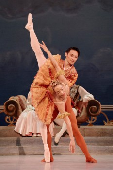 Chen Sheng & Vanesa Garcia-Ribala Montoya in The Nutcracker