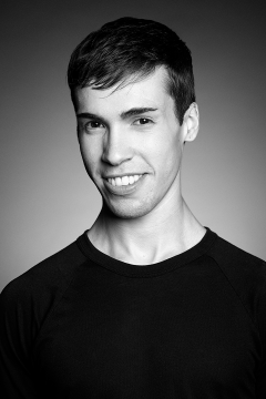 Headshot of the dancer Matthew Cluff