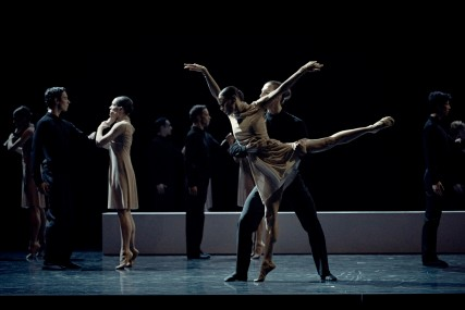 Les Grands Ballets' dancers in Stabat MATER