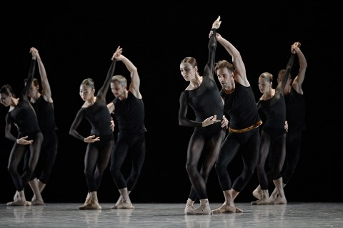 Les Grands Ballets' dancers onstage