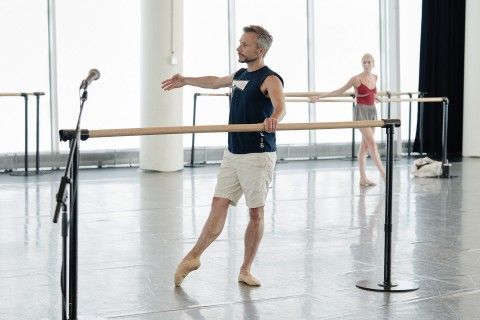 Hervé Courtain, ballet master, giving class