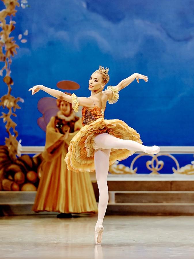 The dancer Vanesa G.R. Montoya in The Nutcracker