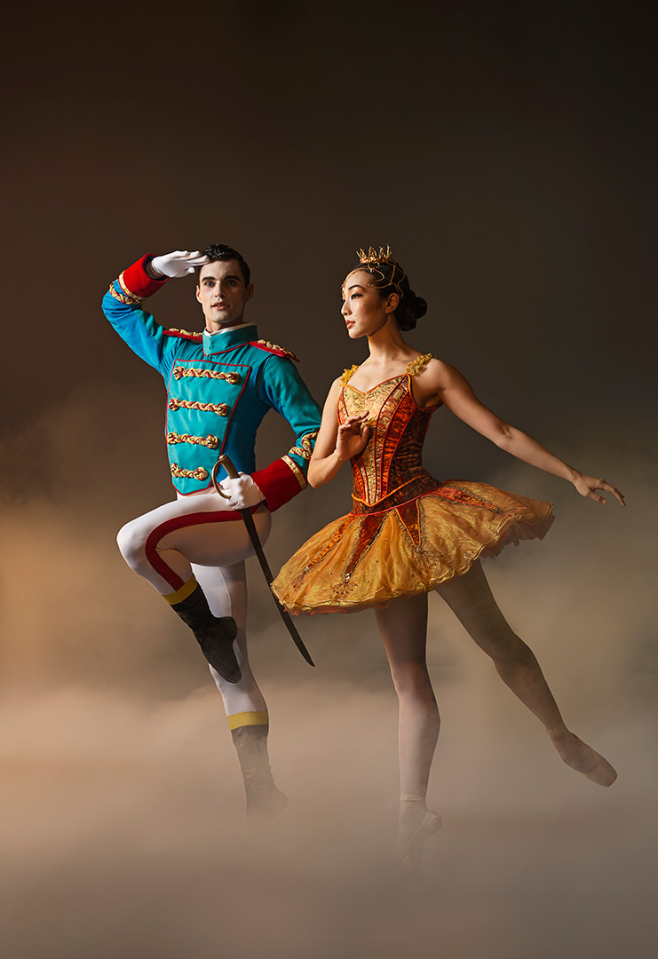Les Grands Ballets' Nutcracker - The Nutcracker and the Sugarplum Fairy Sam Colbey and Mahomi Endoh