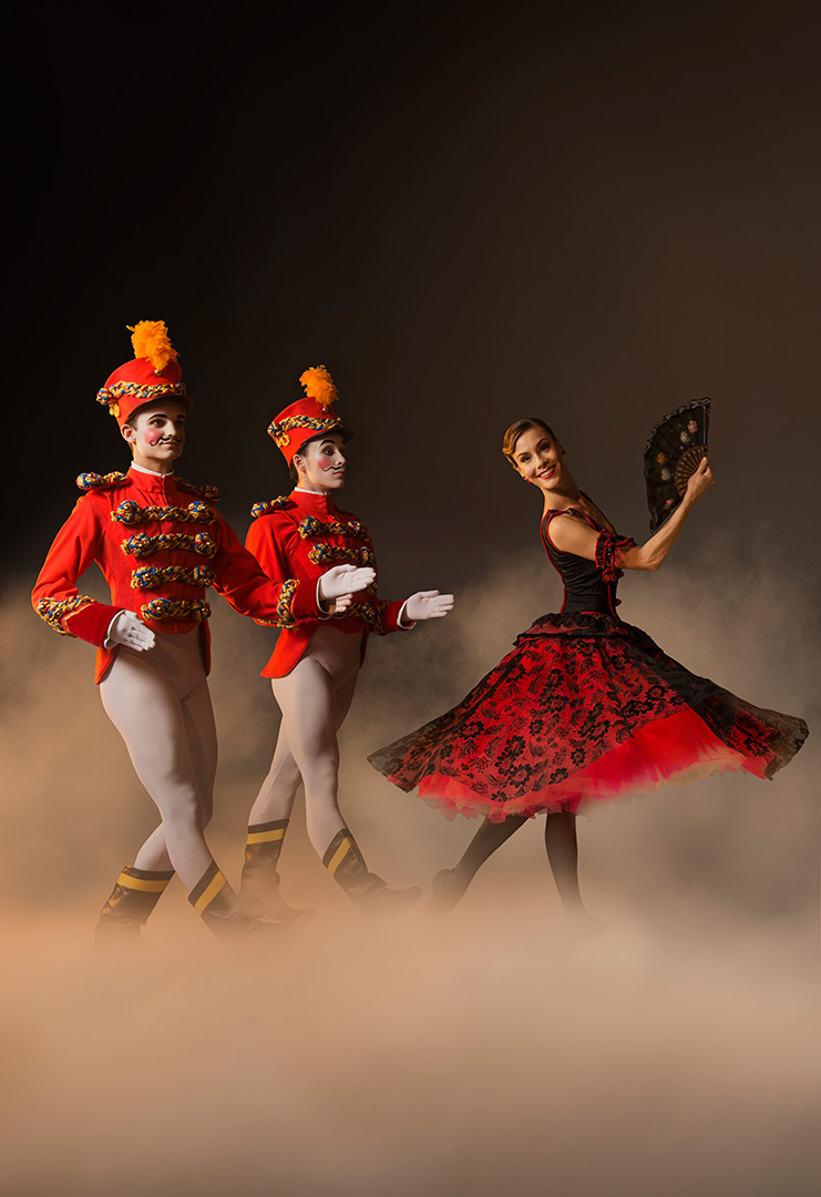 Les Grands Ballets' Nutcracker - Toy soldiers and flamenco dancer